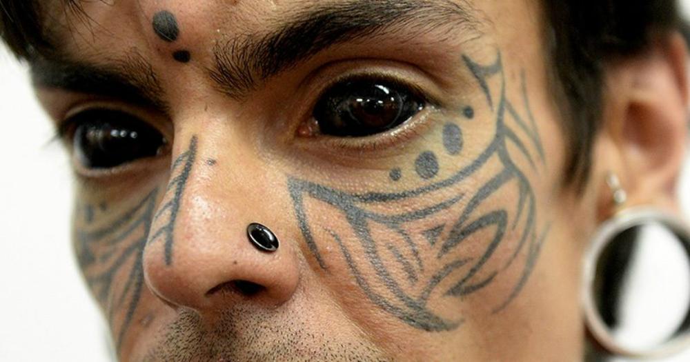 Tatuajele pe ochi – ultima frontieră